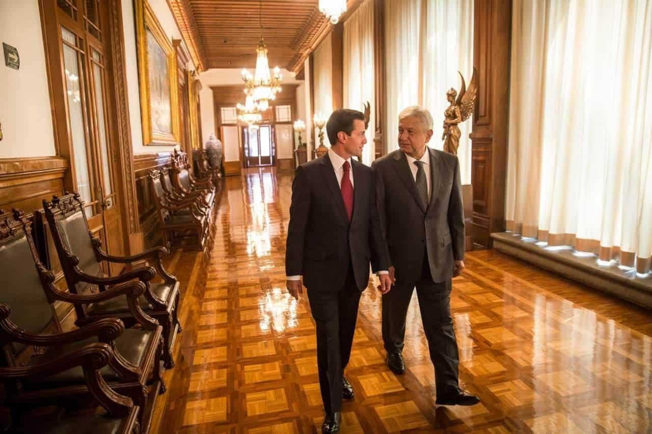 El virtual ganador de la elección presidencial, Andrés Manuel López Obrador, ingresó a Palacio Nacional para reunirse con el Presidente Enrique Peña Nieto