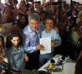 Recibe constancia como alcalde electo de Victoria el doctor Xicoténcatl González Uresti