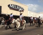 Con impresionante desfile conmemoran el 4 de julio