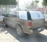 Encuentra vehículo robado en edificio de Policía Estatal