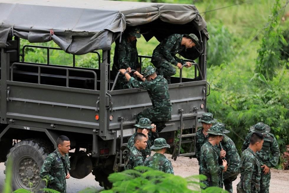 Soldados en Tham Luang (Tailandia) durante las labores de rescate, el 10 de julio de 2018.