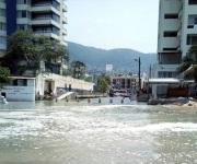 Afecta mar de fondo costa en Acapulco