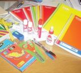 Acopian útiles para niños de escasos recursos