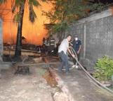 Fuerte viento causó que fuera un infierno tarimera incendiada