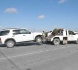 Mujer y mascota lesionadas en choque carretero