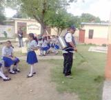 Fumigan escuelas