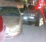 Briago se estrella contra 3 vehículos estacionados