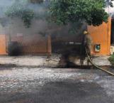 Se incendia camioneta en la colonia Petrolera