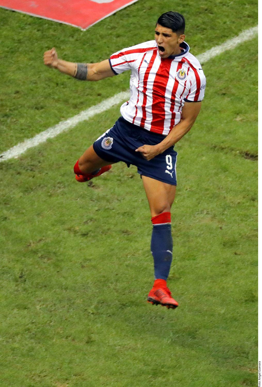 Quien no sufrirá por los mismo males que el América serán las Chivas, donde juega Alan Pulido.