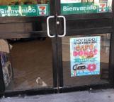 Asaltan tienda de conveniencia a tres cuadras de la PGJE