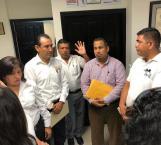 A puerta cerrada llevan reunión Profesores con autoridades del Gobierno