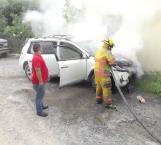 Causa alarma fuego en auto