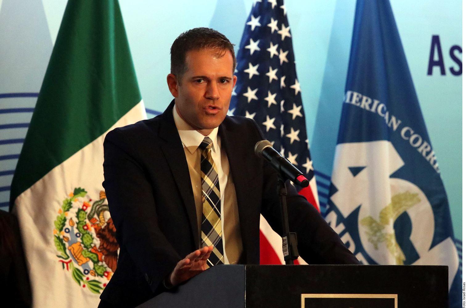 A México le urge voluntad política para acelerar el proceso de certificación internacional para sus prisiones, manifestó Richard Glenn, subsecretario adjunto del Buró de Asuntos Antinarcóticos y Aplicación de la Ley del Departamento de Estado de EU.