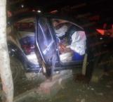 Volcadura deja 2 muertos y 3 heridos