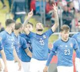 Italia vuelve a ganar