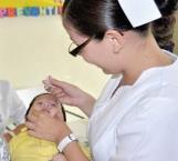 Inmunizan a niños contra la influenza
