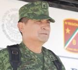 Celebra gobernador nombramiento militar