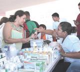 Ayudan con vacunas y suero a migrantes en camino a EUA