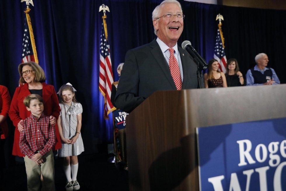 18 El senador del Partido Republicano Roger Wicker, durante su discurso de victoria en Jackson, Misisipi, el 6 de noviembre de 2018.