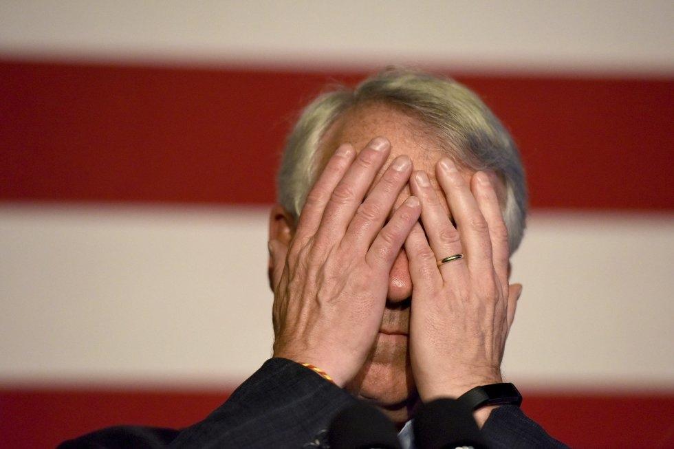 4 El candidato republicano Bob Hugin reacciona durante los resultados frente al demócrata Bob Menéndez, el 6 de noviembre de 2018, en Mountainside, Nueva Jersey.