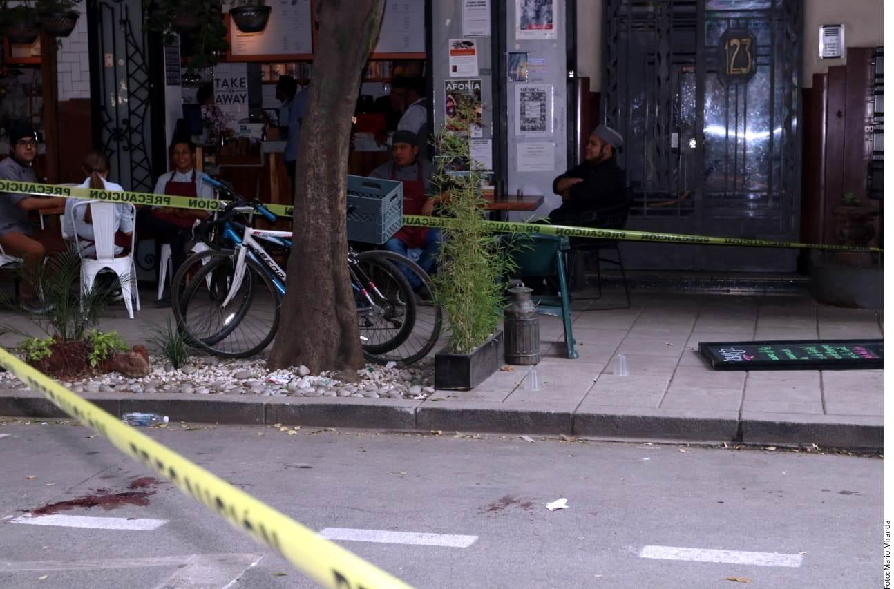 Al momento de la agresión, las cafeterías y restaurantes de la zona se encontraban llenos.