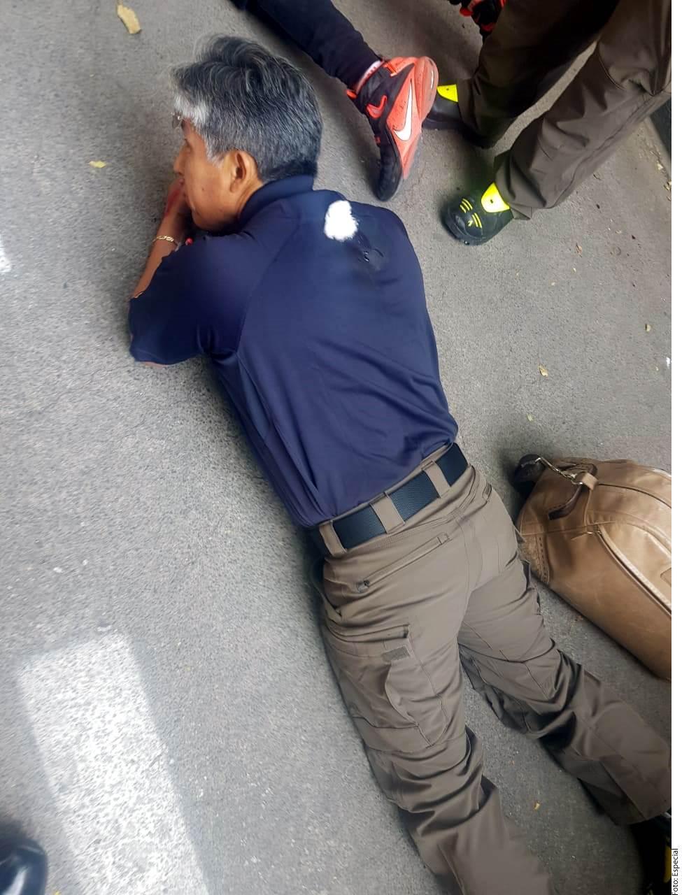 Tres bomberos fueron baleados durante el ataque.