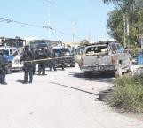 Abandonan camioneta tras ataque