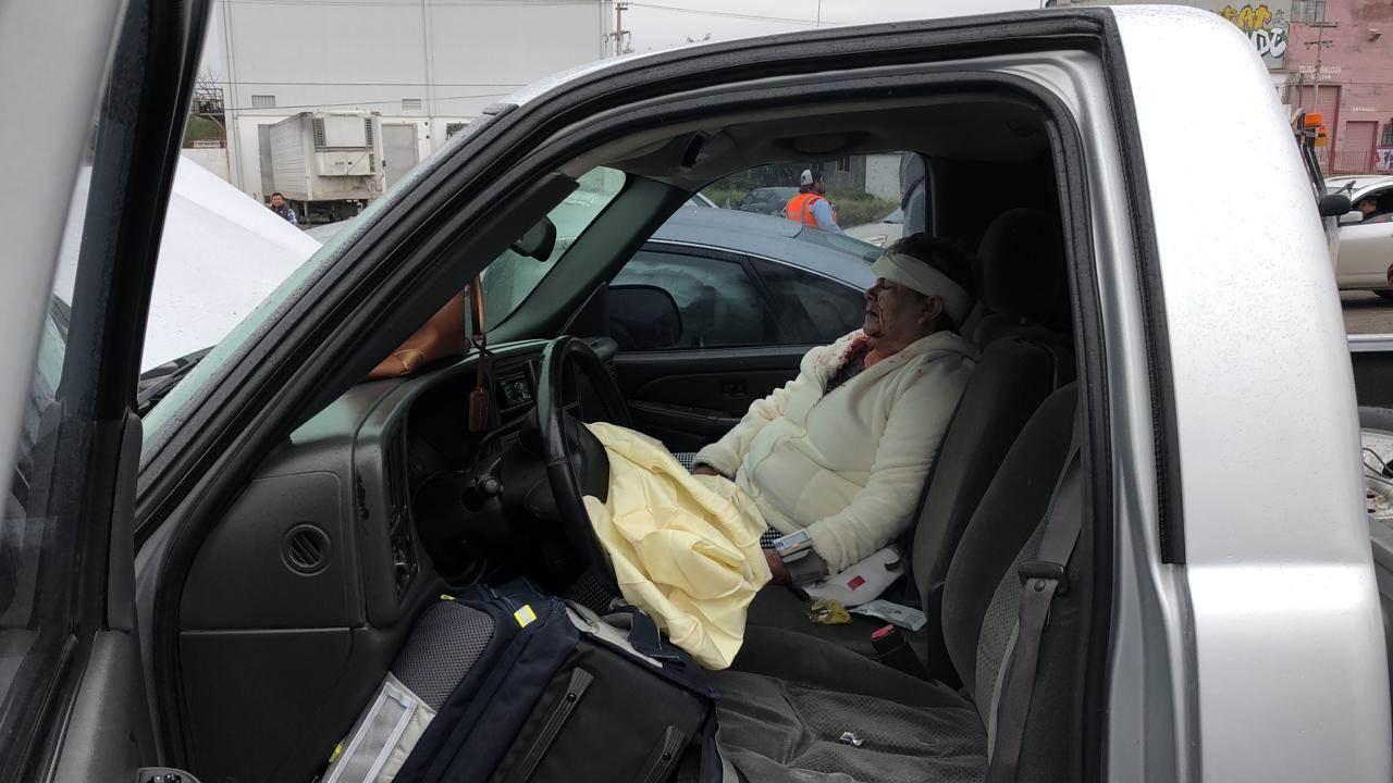 Una mujer que acompañaba al responsable del percance resultó lesionada.
