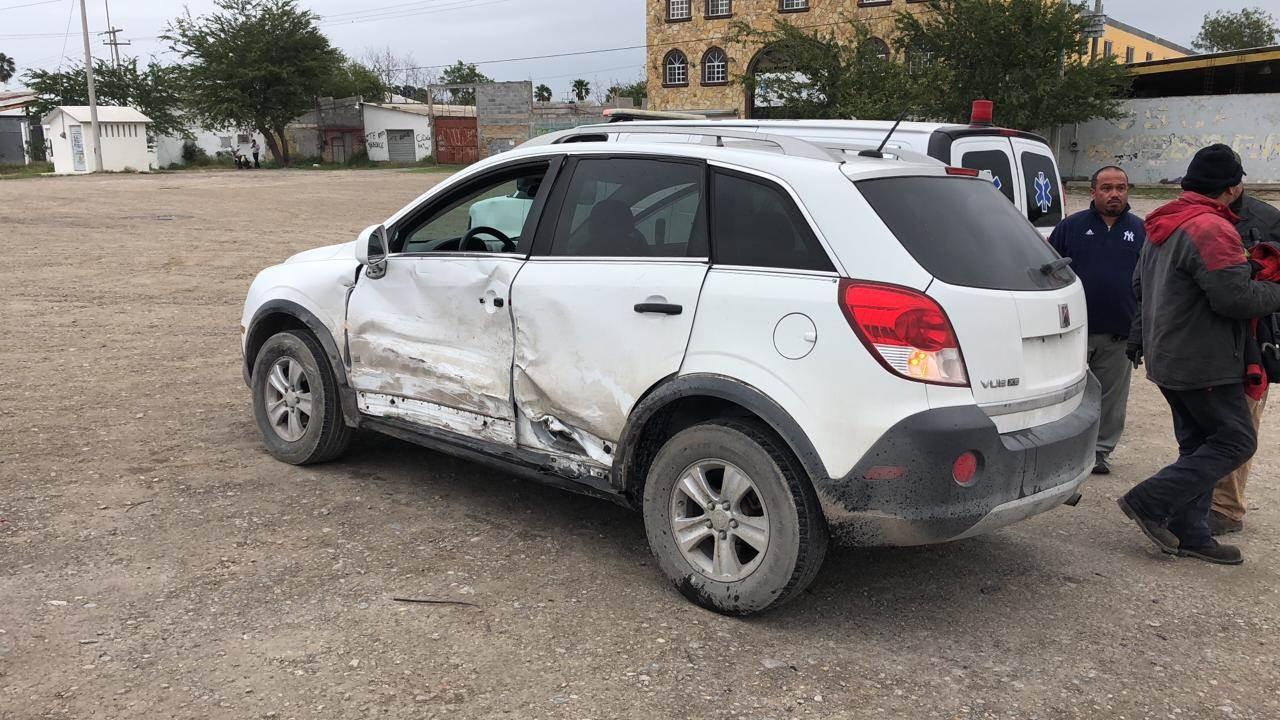 Una camioneta fue alcanzada por el auto chocado que salió proyectado.