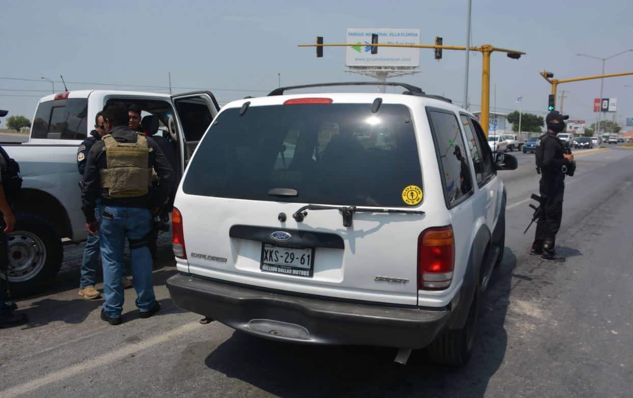 La unidad Ford Explorer con reporte de robo fue interceptada por federales en el boulevard Hidalgo.