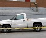Hallan camioneta ensangrentada y petrolero muerto