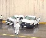 'Vuela' con su camioneta y mata a conductor de auto
