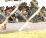 Catean casa de seguridad; caen 16 ilegales y 'pollero'