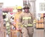 Realizan simulacro de amenaza de bomba en tienda