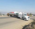 Bloques en Oaxaca con pipas y camiones