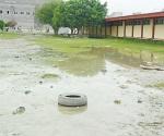 Evalúan daños por lluvia en escuelas