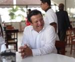 'La primera persona que no practica la democracia es AMLO'