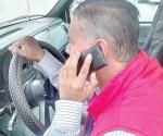'Llaman' celulares ... a los accidentes