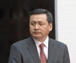 Osorio Chong: AMLO me trae en todos los temas