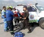 Quedan 9 policías heridos en choque