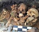 Encuentran guacamaya momificada en cueva de Chihuahua