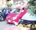 Embiste auto a personas en Azcapotzalco