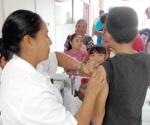 Temen a la influenza y se vacunan