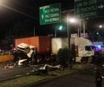 Choque de tráileres deja 2 muertos en Azcapotzalco