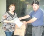 Agradecen apoyo por entrega de bolsa para diálisis