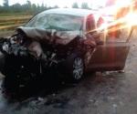 Choca automovilista y muere