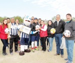 Municipio entrega material deportivo