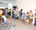 Sufren abuelitos para hacer trámites en Sedesol federal