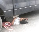 Par de obreros atropellados por flamante camioneta