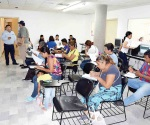 Aplican exámenes para terminar su educación básica